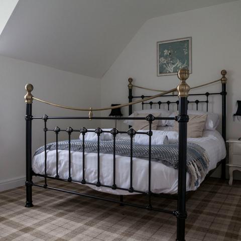 Meadowside Cottage master bedroom